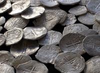 В Латвию привезли уникальные монеты